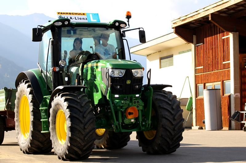 LLA Traktor